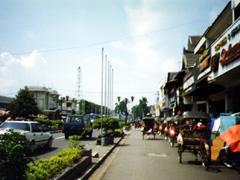 Straßenleben auf der Götterinsel Bali